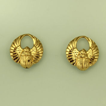 Gold Magnetic Egyptian Winged Scarab Earrings 13 x 15 mm