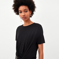 T-SHIRT WITH TIED FRONTDETAILS