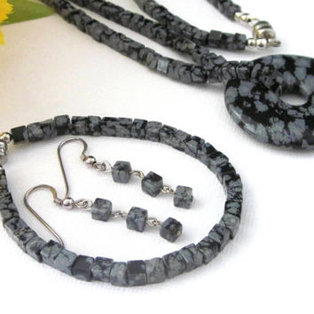 Snowflake Obsidian Gemstone Donut Pendant Necklace Bracelet Earrings Magnetic Clasps Three Piece Jewelry Set