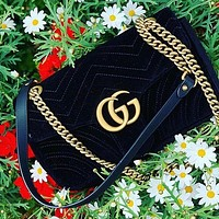 Gucci Fashion Hot Selling Women's Single Shoulder Bag with Corrugated Velvet Shopping Bag Black