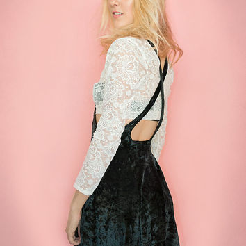 Vintage Two Piece Set Velvet Lace Babydoll Grunge Witchy Crop Top Skirt Suspender One Size Black White XS S M  2 pc