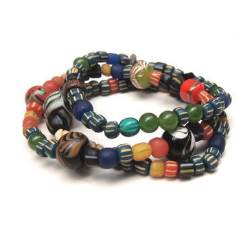 Dayak ethnic bracelet with blue trade beads from East Kalimantan (Borneo), recycled beads and rough apatite