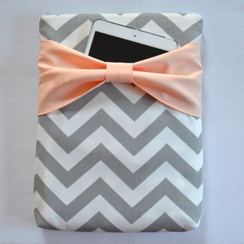 Macbook Air 11 / Macbook Air Case , Zippered Laptop Sleeve - Grey and White Chevron with Peach Bow