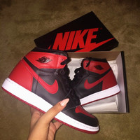 Nike Air Jordan Retro 1 High Tops Contrast Sports shoes Black red G-CSXY