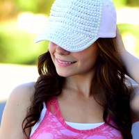 THE IT GIRL HAT IN WHITE