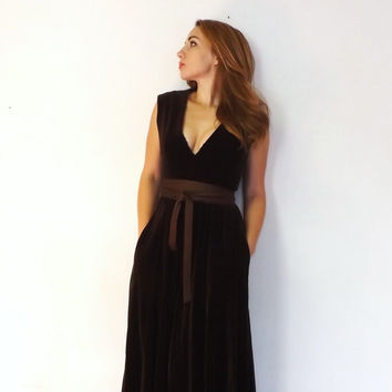 Vintage 1960s 70s Prairie Nouveau Brown Velvet Maxi Gown VNECK Medieval Renaissance Dress Wench Peasant Pirate Edwardian Boho Hippie