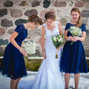 New Fashion Navy Blue Short Lace Bridesmaids Dresses Crew Neck Wedding Party Gowns Plus Size Maid of the Honor Dress BE16