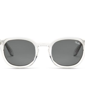 Quay Walk On Clear Sunglasses / Smoke Lenses