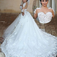 Robe de mariage Princess Long Wedding Dress 2017 Sheer Neck Long Sleeves Ball Gown Chapel Train Appliques Tulle Wedding Dresses