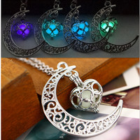 Fluorescence Necklace women moon love heart night jewelry Glow in the Dark Pendant with 48cm chain blue green purple necklace
