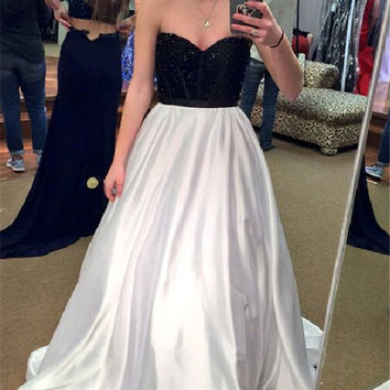 Sweetheart Black White A-Line Prom Dresses