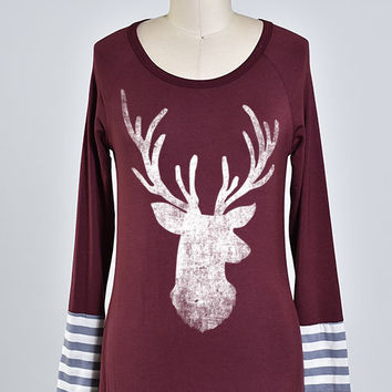 (Cyber Monday) Gray Striped Cuff Faded Reindeer Burgundy Top