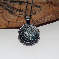House Targaryen game of thrones pendant necklake keychain, House Targaryen Fan Art, House Targaryen emblem simbol, House Targaryen logo