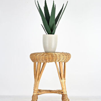 Vintage Wicker Stool, Round Wicker Stool, Wicker Plant Stand, Boho Wicker Stool, Boho Furniture, Boho Decor, Plant Stand, Wicker Stool