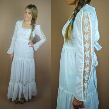 Vintage 1970s GUNNE SAX white lace floral long sleeve wedding hippie boho Peasant puff sleeve maxi dress XS