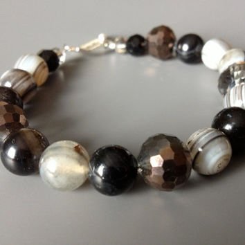 Black and White Agates and Crystal Bracelet