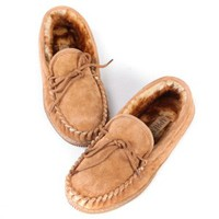 Lamo Mens Suede Moccasin Slippers - Chestnut | www.hayneedle.com