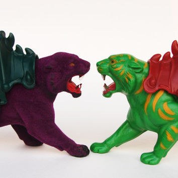 Vintage Battle Cat Cringer and Panthor MOTU Action Figure Tiger Panther He-Man Skeletor Heman Purple Velvet Flocking Green Yellow Stripes
