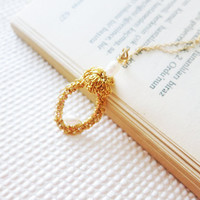 Modern Simplicity Romantic Pearl Necklace Gold by sukran on Etsy