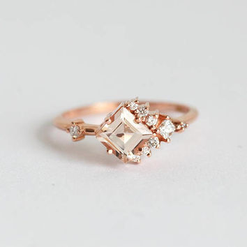 Morganite Engagement Ring, Cluster Diamond Ring, Cluster RIng, Princess Engagement Ring, Peach Engagement Ring, minimalvs