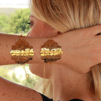 24 karat gold plated Neo classic metal Lace Bracelet