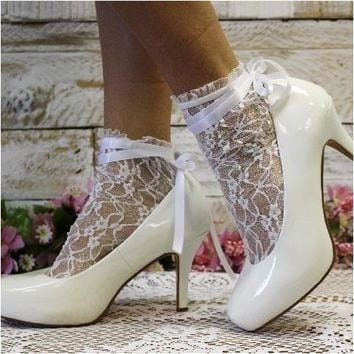 PARIS lace ankle sock with ribbon tie- blanc