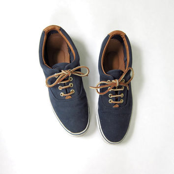 vintage tennis shoes. navy blue lace up oxfords. preppy shoes. leather laces.