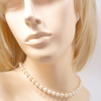 CIJ SALE 1960s White Pearl Necklace Choker, Designer Carolee, Highend White Glass Pearls, Bridal Pearl Choker, Astronaut Wives Club