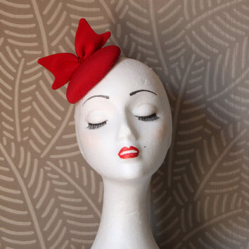 Mini Red Hat, Mini Red Veil Hat,Bow Fascinator Hat,Red Fascinator Hat,Red Headdress,Red Headpiece,Red Cocktail Hat