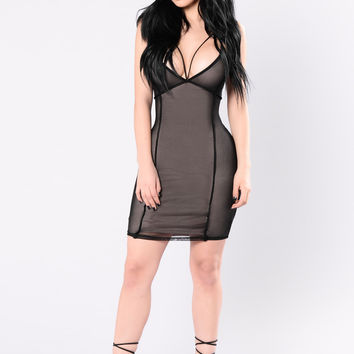 Movin To The Tempo Dress - Black