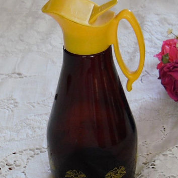 Log Cabin Syrup Pitcher Brown Glass with Yellow Plastic Top Kitchen Collectibles