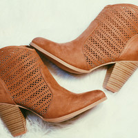 SOUTHWEST TRAILS BOOTIES IN TAN