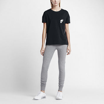 The Nike Signal Women's T-Shirt.