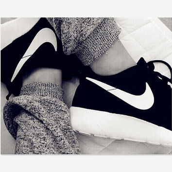 NIKE Women Men Running Roshe Sport Casual Shoes Sneakers Black white hook shoes