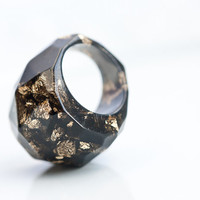 Black Resin Ring Gold Flakes Faceted Cocktail Ring OOAK dark gray geometric minimalist jewelry rusteam