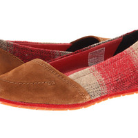 SOREL Yaquina Moc™ Elk/Bright Red - 6pm.com