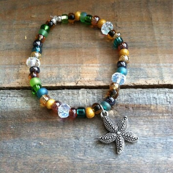Starfish Charm Bracelet - Beaded Starfish Bracelet, Beaded Stretch Bracelet - Stretchy bracelet, Stacking Bracelet