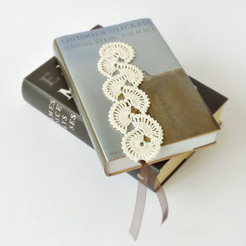 Crochet bookmark, lace bookmark, ivory bookmark, unique book marks, crochet book markers, teacher gifts, gift for teacher, book lover gift