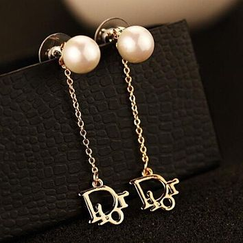 Dior Popular Women Pearl Letter Logo Stud Earring Jewelry I12428-1