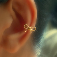 Small Bow Ear Cuff