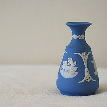 vintage wedgwood china vase powder blue vase by thehouseofoliver