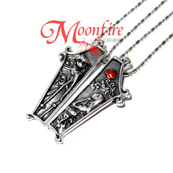 THE NIGHTMARE BEFORE CHRISTMAS Jack and Sally Coffin Couple Necklace
