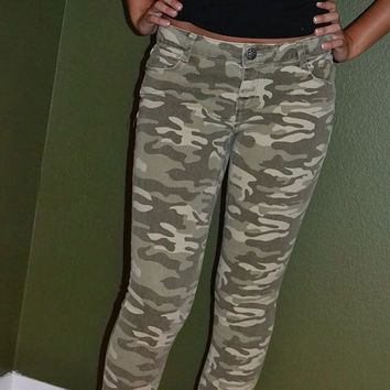 Camouflage skinny jeans size 5