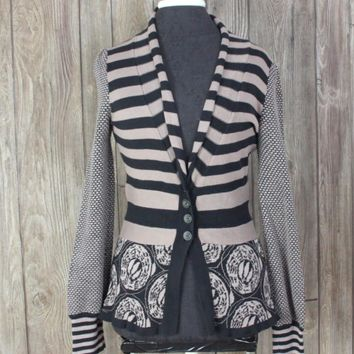 Cute Anthropologie Lia Molly Cardigan Sweater S M size Taupe Black Fitted Mixed Print