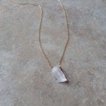 White crystal necklace, rock necklace, natural necklace, healing necklace, natural jewelry, beautiful necklace, earth necklace , minimalist