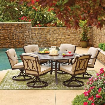 Member's Mark Miller's Creek Round Sunbrella Dining Set