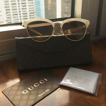 NWT GUCCI 4283/S White Frame Engraved Gold Arms Cat Eye Sunglasses & Case $470