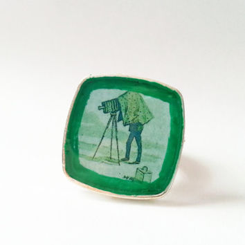 Camera Obscura Ring, Green Camera Ring, Vintage Camera Art, Daguerrotype Ring, Camera Jewelry, Photographer Gift, Green Photo Art, Green