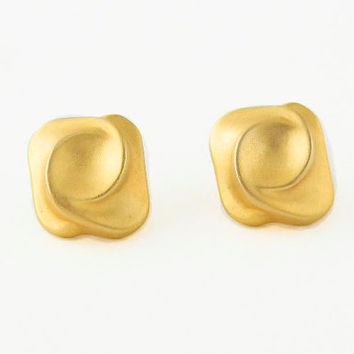 80 s Matte Gold Swirl Stud Earrings- Vintage Earrings da3b165c70