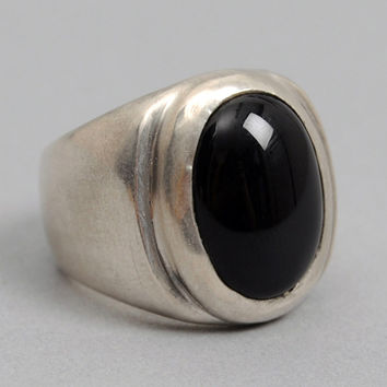 fine light trading - onyx ring